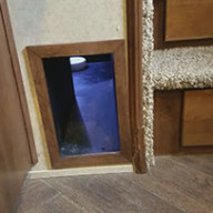 cat-litter-box-and-rv-travel-2